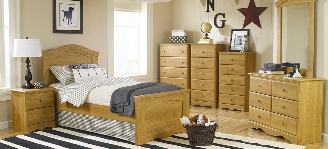 Vintage Oak Bedroom Furniture | Lang Furniture | OAK CREEK ...
